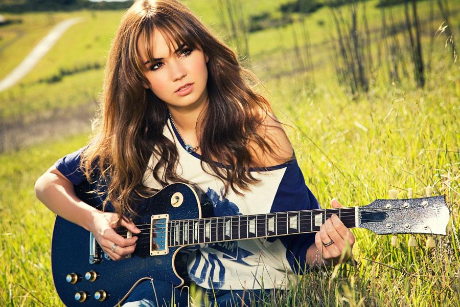 Celeste-Kellogg-Guitar