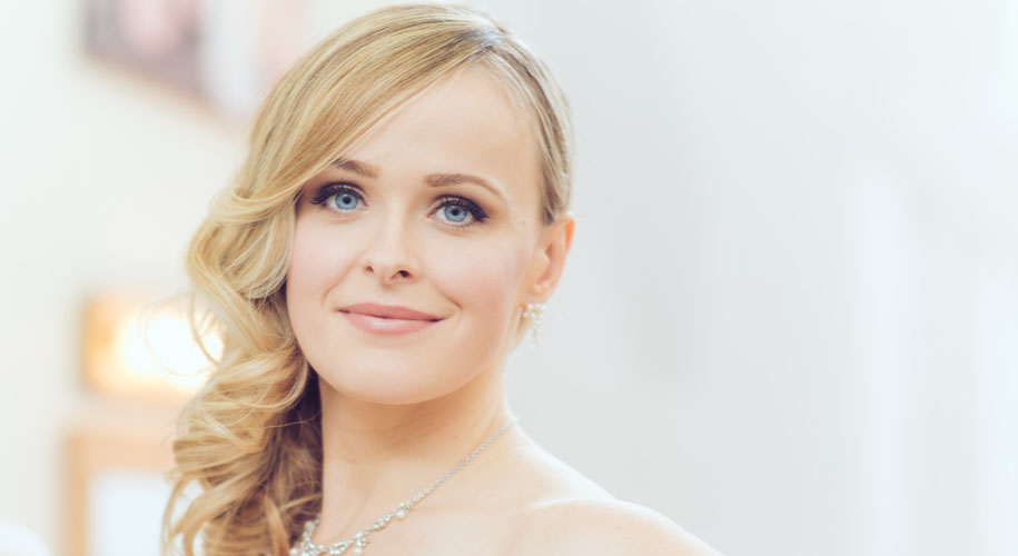 10 Places to Gain Inspiration for Your Wedding Hair and Makeup Look
